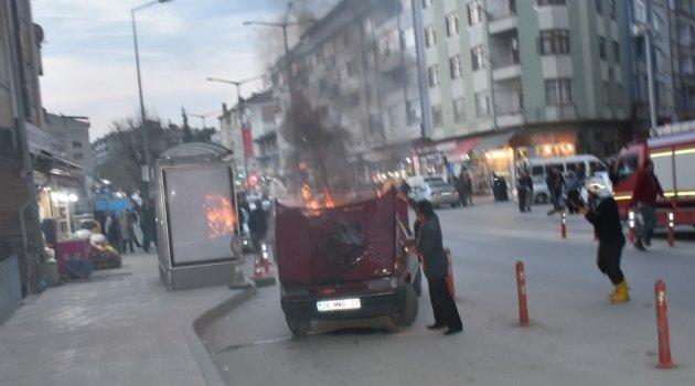 Boyabat'ta araç yangını