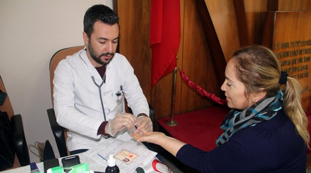 Defterdarlık personelinden kan bağışı