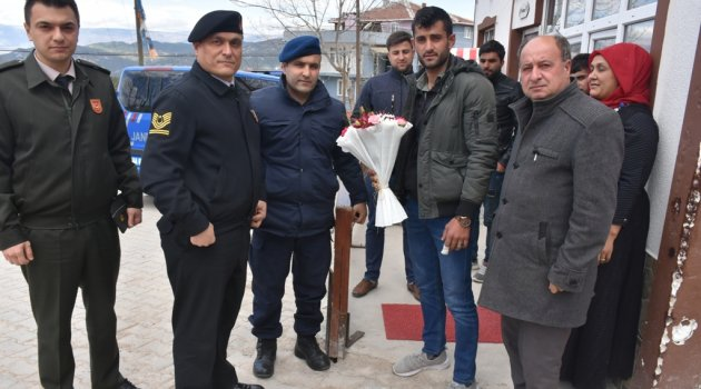 İlçe Jandarma Komutanı'ndan gaziye ziyaret