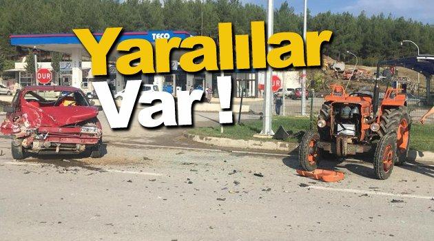 Sinop'ta otomobille traktör çarpıştı: 4 yaralı