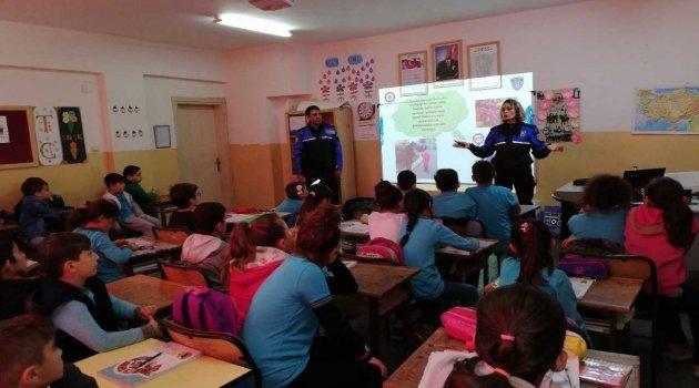 Sinop'ta polisten öğrencilere güvenlik eğitimi