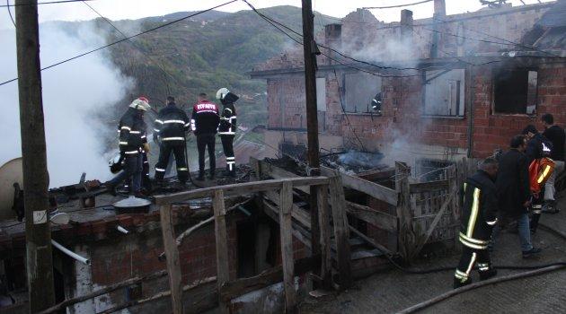 Sinop'taki ev yangını