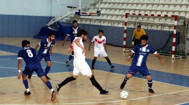 Üniversiteler arası futsal müsabakaları Sinop'ta başladı