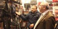 Vali, Esnafı Gezerek Yeni Yılını Kutladı