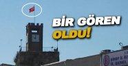 Rüzgardan zarar gören Türk Bayrağı yenilendi