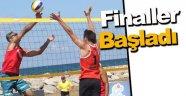 Plaj voleybolu: TVF Kulüpler Ligi Final müsabakaları Sinop'ta başladı
