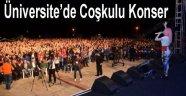 ÜNİVERSİTE'DE COŞKULU KONSER