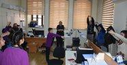 Boyabat'ta öğrencilerden çalışanlara spor önerisi