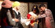 Erfelek'te Kral Çıplak oyunu sergilendi