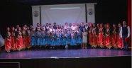 Gerze'de halk dansları gösterisi