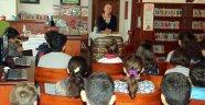 Kayhan çocuklara 'Kitap Okumanın Hayatı Nasıl Değiştireceğini' anlattı