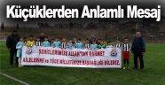 Küçük Sporculardan Afrin Pankartı