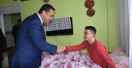 Milletvekili Karadeniz'den yaralı askere ziyaret
