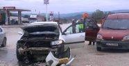 Sinop'ta iki otomobil çarpıştı: 5 yaralı