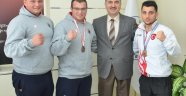 Üniversite Öğrencilerinden Ferdi Box Şampiyonasında Başarı