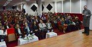 Üniversitede 'Kadın ve Liderlik' Konferansı