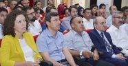 """Üniversite'de """"Türkiye'de Darbeler ve Demokrasi"""" Konulu Konferans"""
