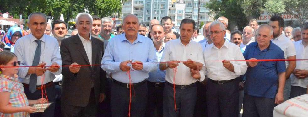 Sinop'ta öğrenciler yararına kermes açıldı