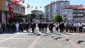 30 Ağustos Zafer Bayramının 98. Yıl Dönümü Münasebetiyle Çelenk Sunma Töreni Düzenlendi