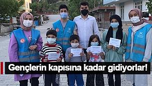 GENÇLERİN KAPISINA KADAR GİDİYORLAR!
